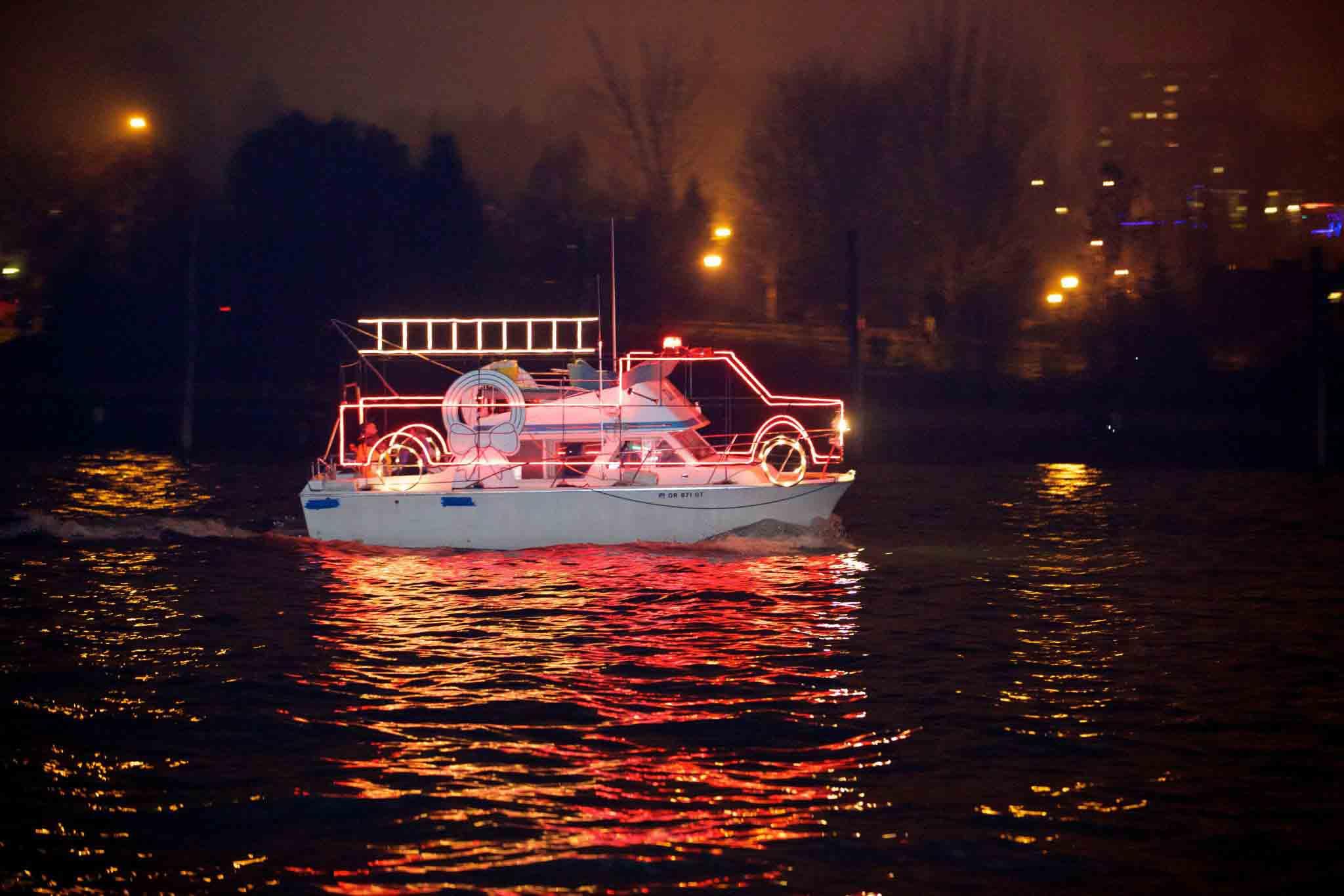 Willamette River Christmas Ships 2021